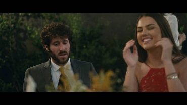 Lil Dicky – Molly ( Feat. Brendon Urie )