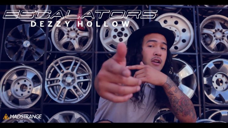 Dezzy Hollow – Escalators